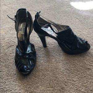Black leather Steve Madden pumps heels open toe